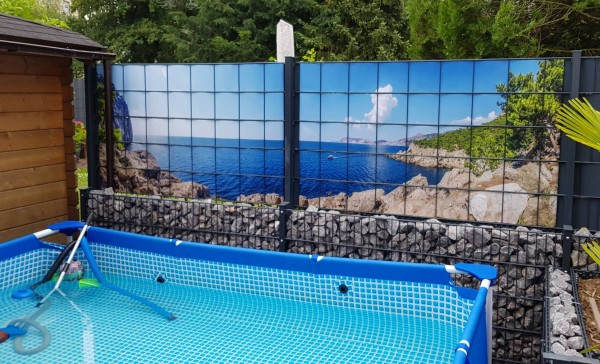 Sichtschutz-Gittermattenzaun-Pool-zaunblick