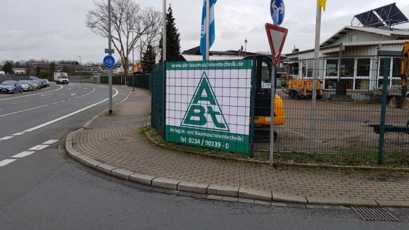 Firmenlogo auf Sichschutz für die Firma ABT Baumaschinen aus Bochum